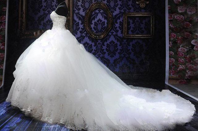 پیشنهاد مجنون در مورد لباس عروس