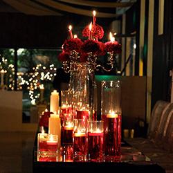 بار شمع و میز یادبود تالار مجنون